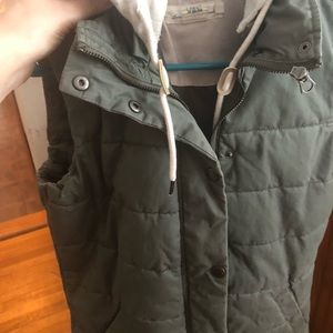 L.O.G.G Light Olive Hooded Vest size 4, cinchable